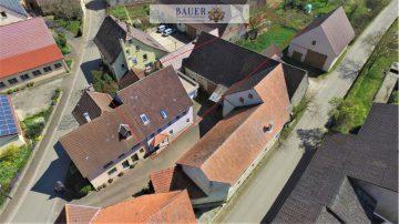 Einfamilienhaus mit Doppelgarage und Scheune, 97990 Weikersheim, Einfamilienhaus