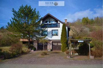 Einfamilienhaus mit Doppelgarage in Niederstetten, 97996 Niederstetten, Einfamilienhaus
