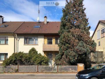 Doppelhaushälfte mit drei Wohneinheiten in Ludwigsburg- Eglosheim, 71634 Ludwigsburg, Mehrfamilienhaus